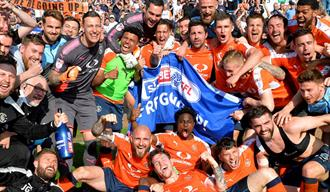 Luton Town Football Club - promotion Carlisle